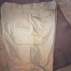 Red Kap cargo shorts. Brand new. 40x12